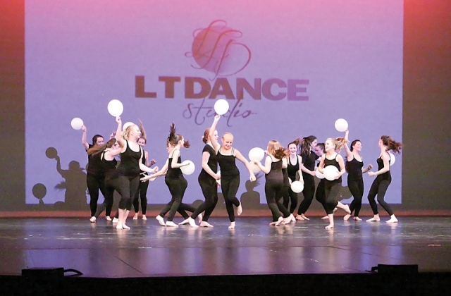 LT Dance Studio Recital Show the beginning dancers shawnigan lake